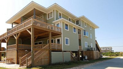 Ocean side. Top Deck off Master BDRM/Mid-Deck off GRT RM/Lower Deck off Game Room