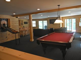 Warren chalet photo - Game room on first floor. Full bar, flat screen, full bath with steam shower,