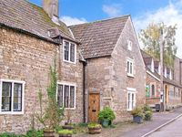 MONKS COTTAGE, pet friendly, with open fire in Rode, Ref 26191