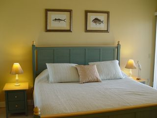 Pensacola Beach condo photo - Master bedroom-king size bed