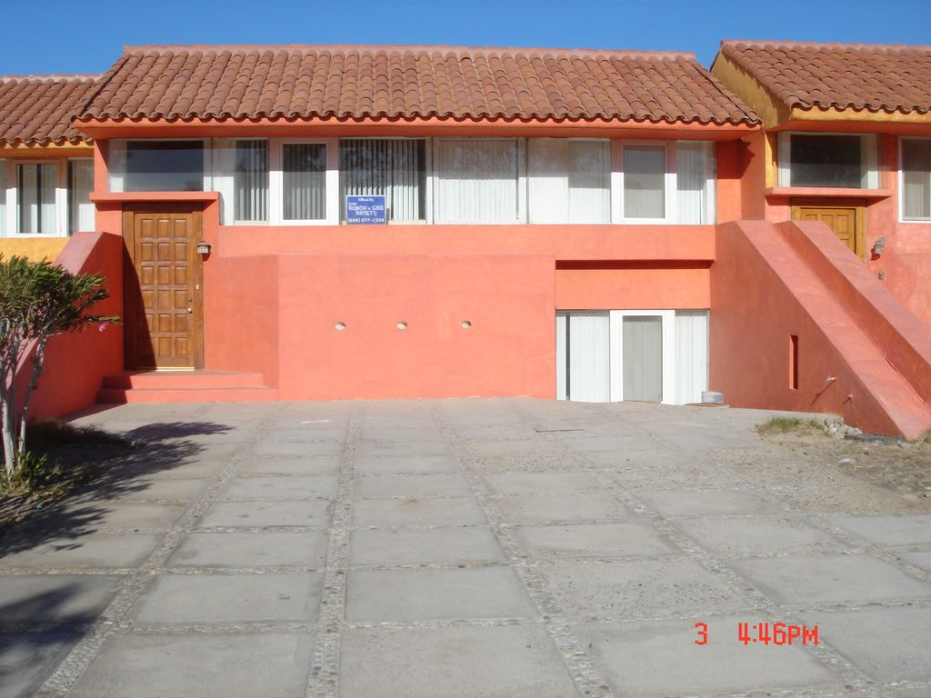 large 3 bedroom directly on the beach with private pool