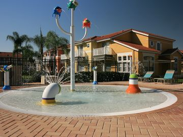 Kids enclosed splash area