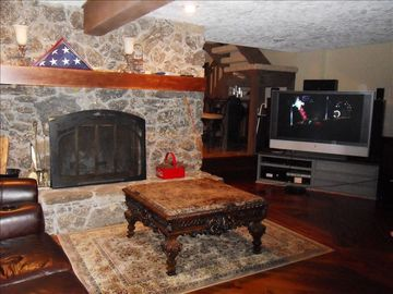 "Entertainment Rm w/Fireplace, 60"" LCDTV, DirectTV,HomeTheater Seating Lakeviews"