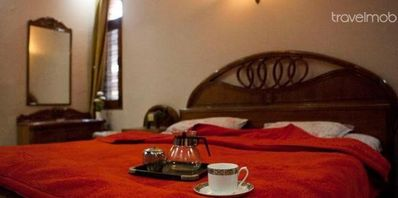 Accommodation in Greater Kailash
