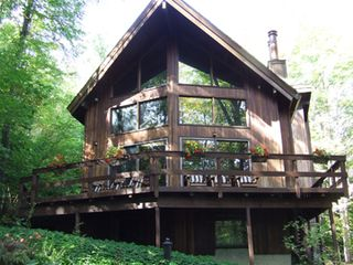 Ithaca lodge photo - Relax in the woods