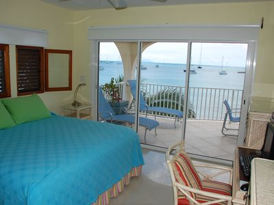 Simpson Bay condo rental - Oceanfront master bedroom