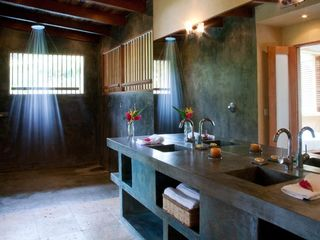 Mal Pais estate photo - Sandy Lane Rain Shower Bathrooms