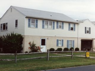 Vacation Homes in Ocean City house photo - Roomy 6 bedroom, 3 bath, 2 kitchen house located on Back Bay, 3/4 mile to ocean