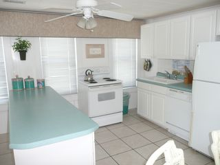 Crescent Beach cottage photo - Upper level kitchen