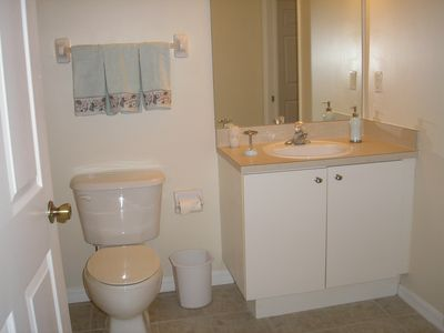 Cape Coral condo rental - Second bathroom