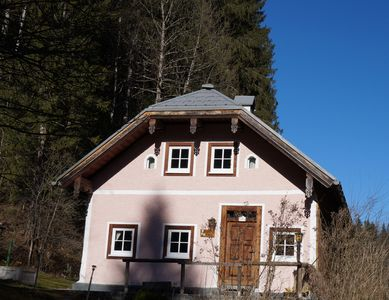 Traditional Farmhouse Set Amidst Amazing Scenery Close To Numerous Attractions
