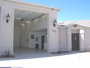 Lake Havasu City villa rental - Lots of room for all of your toys
