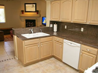 Oro Valley house rental - Kitchen Looking Out to Great Room