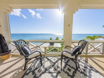 REEF HOUSE - BEACHFRONT Apt. for 2!  North Suite