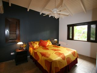 Curacao villa photo - Guest Room (Queen bed)