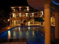 LUXURY 2 ACRE GATED RETREAT  WITH PRIVATE WHITE SAND BEACH ON THE FLORIDA BAY