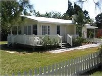 Private Island Oasis -Just  650 Feet to Beach. 5 Rest./Conv. Store Close By