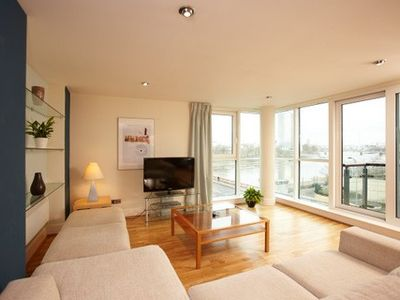 South Bank & Southwark apartment rental - Spacious living room