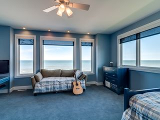 Grand Beach house photo - Lake Suite - Two Twin Beds and Day Bed