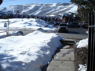 Snow Blaze condo photo - Sidewalk to ski resort