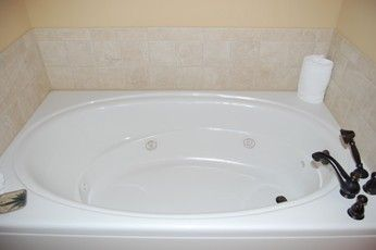 Jetted tub in master bath