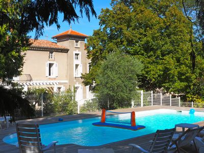 A superb mansion for 14 pers. near Carcassonne, South of France