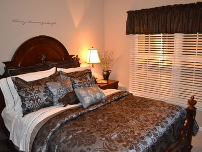 Branson house rental - Queen Master Suite - Main Floor