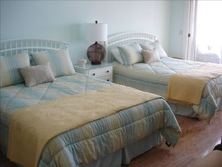 Seabrook Island condo photo - Two queen beds in second master bedroom