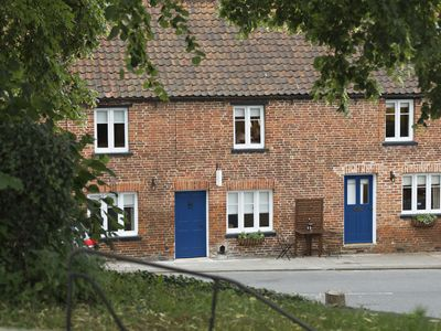 Grade II listed 3 bed holiday cottage in pretty village in Sherwood Forest