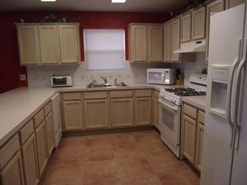 Kitchen has Gas Stove, Micro, Ice Maker and Water in Fridge and Fully Equiped