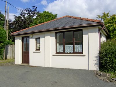 CLOVER COTTAGE, country holiday cottage in Clarbeston Road, Ref 4202