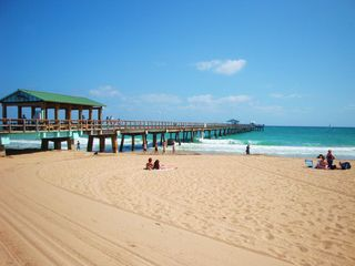 Fort Lauderdale house photo - Take a stroll on the world-famous Fort Lauderdale fishing pier.