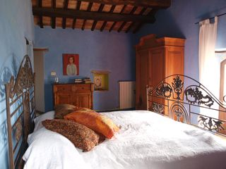 Antognolla farmhouse photo - 3rd floor, master bedroom with ensuite bathroom