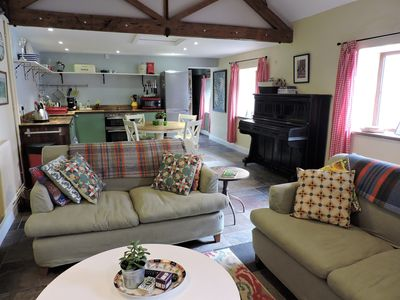 Self Catering Family & dog friendly cottage in West Somerset, WiFi, sleeps 4