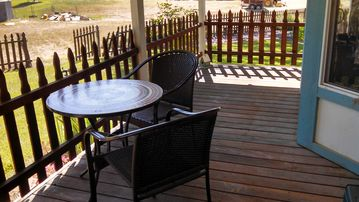 Coloma house rental - Back covered deck