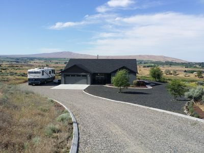 Three Bedroom, Stunning View of Yakima Valley Wine Country including Red Mtn.