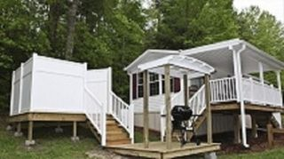 Flat Rock cottage photo - Cardinal Cottage with covered deck, grill area and private hot tub.
