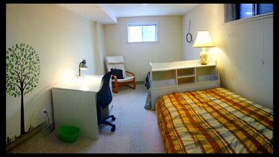 Essential & Comfy 2 Twin Suite, For 1 Or 2 In West End, Toronto