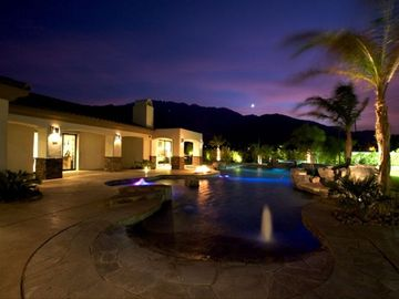 Palm Springs house rental - A gorgeous view of the sunset from the pool area