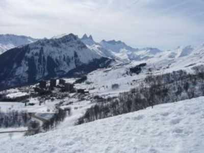 Take a big breath at La Toussuire ski resort, in the Maurienne valley area : apartment/ flat - 2 rooms - 6 persons ideally located at the bottom of the ski fields ! Now, get on your ski and GO !!!!