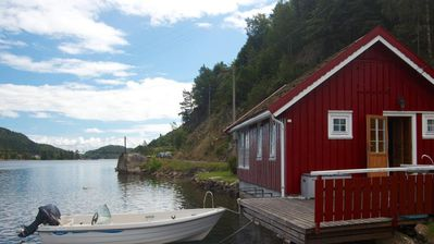 Holiday house directly by the water with boat for 4 persons