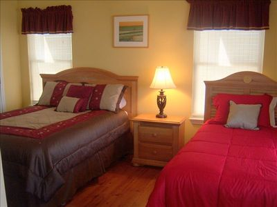 3rd. Room - Queen and Twin Bed - TV and DVD