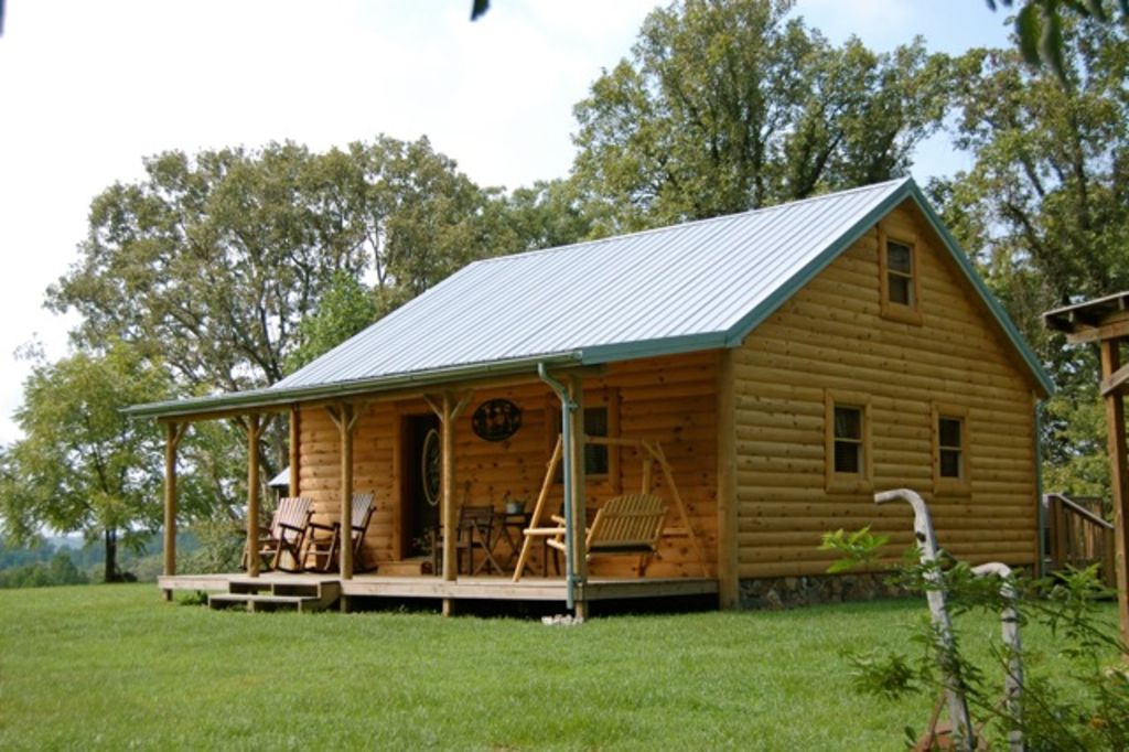Peaceful Country Cabin With Hot Tub Near Red Vrbo