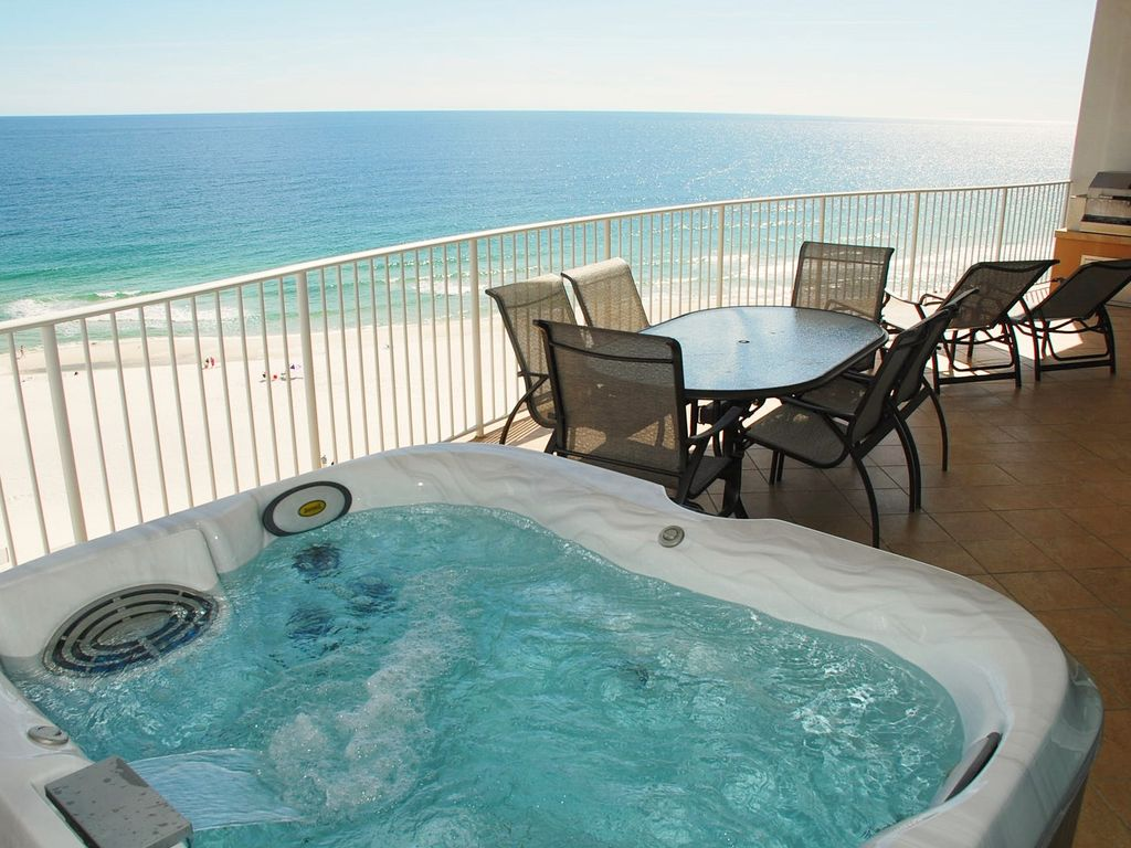 8th floor hot tub grill on balcony d bdg vrbo for Balcony hot tub