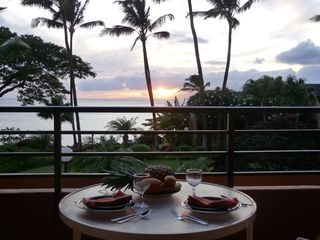 Lahaina condo photo - Dinner at sunset