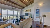 Direct Oceanfront, Elegant Beach House (licensed)