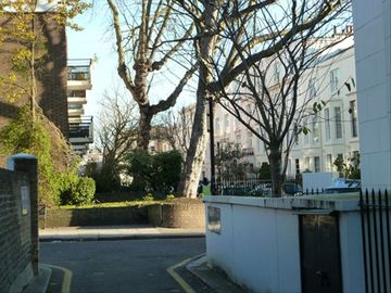 Pretty mews house is in the center of London, beautifully remodeled.