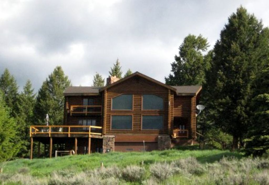 Log Home With A Grand View Close To National VRBO