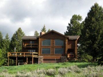 Moran house rental - Log Home sits on a hill overlooking the Buffalo Valley.