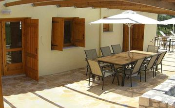 Plenty of dining space outdoors - and shade!